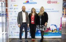 Posando delante del photocall: Stefan Junestrand (Tecma Red) , Montserrat Guardia Güell (Alastria) y Shawnna M. Hoffman (Diversity in Blockchain)