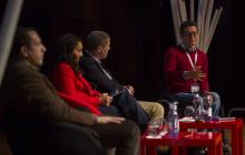 Vista lateral de la mesa compuesta por Neil Milliken (ATOS), Roxana Widmer-Iliescu (ITU), Carlos de la Iglesia (Microsoft España) y Jorge Iglesias (IBM).